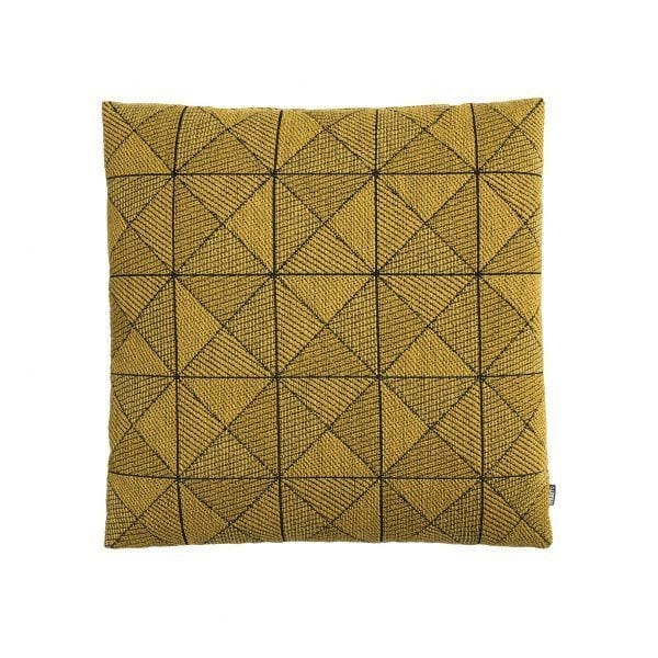 Coussin Tile - Jaune - Muuto - Songes - Tile_cushion_yellow_WB_med-res