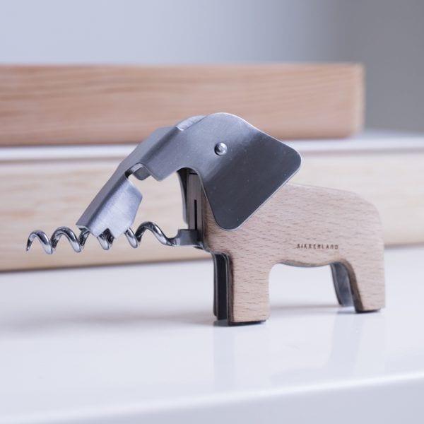 Tire-bouchon - Éléphant - Kikkerland - Songes - tire-bouchon-elephant-kikkerland02