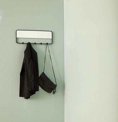 Porte-manteau avec miroir