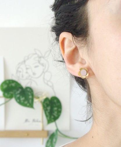 Boucles d'oreilles – Fleurs Nude