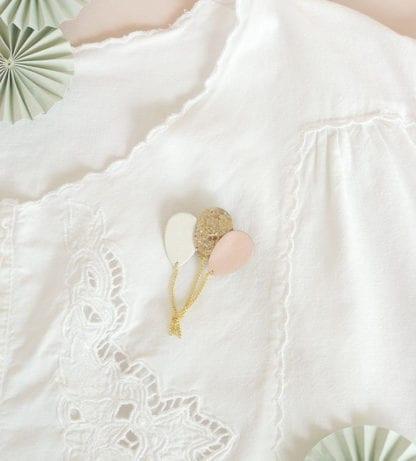 Broche ballon – Nude & Paillettes
