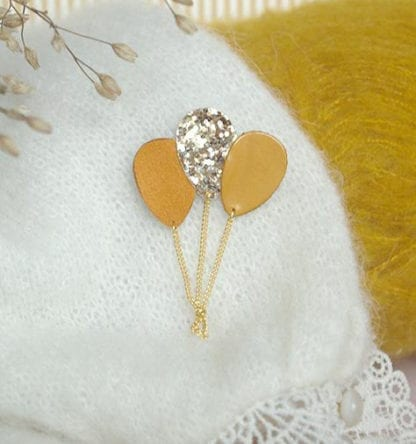 Broche ballon – Moutarde & Paillettes