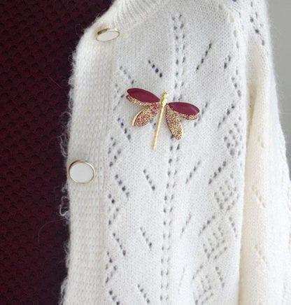 Broche libellule – Bordeau