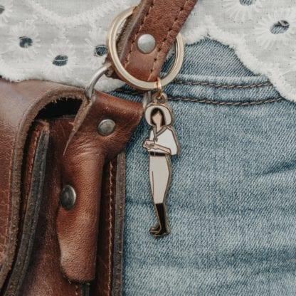 Porte-clés émaillé - Demoiselle & Café